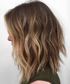 35 Balayage Hair Color Ideas for Brunettes in The French hair coloring technique: Balayage. These 35 balayage hair color ideas for brunettes in 2019 allow to achieve a more natural and modern eff. Balayage Brunette, Hair Color Balayage, Caramel Balayage, Caramel Highlights, Blonde Color, Long Brunette, Brown Blonde, Long Bob Bayalage Brown, Hair Colour