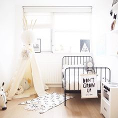 """""""Blogged • about the most beautiful bedding from @oohnoo_official #linkinprofile Have a nice weekend!! XO"""" Photo taken by @ourlittlephotodiary on Instagram, pinned via the InstaPin iOS App! http://www.instapinapp.com (11/27/2015)"""