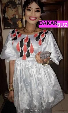 photos) Special Fashion Tabaski Mbathio Ndiaye Sagnsè to . Long African Dresses, African Fashion Dresses, African Shirts, African Wear, African Traditional Dresses, Traditional Outfits, Chic Outfits, Fashion Outfits, Africa Dress