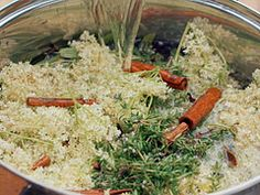 Lipovo-tymiánový sirup na rýmu a kašel — Recepty — Kouzelné bylinky — Česká televize Grains, Rice, Vegetables, Food, Essen, Vegetable Recipes, Meals, Seeds, Yemek