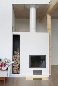 Yksilöllinen Herrala-koti – Kaunis, moderni takka kutsuu rentoutumaan Koti, Home Decor, Interior Design, Home Interior Design, Home Decoration, Decoration Home, Interior Decorating