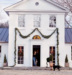 Colonial Decorating at it's Best!  Gorgeous and SO Beautifully Done!  Southern-Accents.com