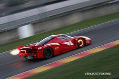 Red Ferrari FXX under HARD braking :D