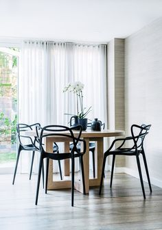 This airy, light and open home has nailed the concept of family-friendly, while knocking the notion of laidback sophistication out of the ballpark. It is total livable luxe.