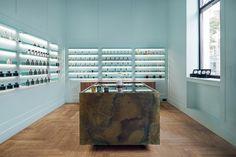 GaliLu Fragrance shop in Gdańsk by Mana Design