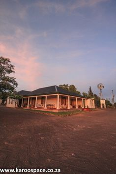 Near the Northern Cape town of Richmond is a luxury Karoo farmstay with a history. Farm Stay, Cape Town, Cabin, Mansions, History, Luxury, House Styles, Home Decor, Mansion Houses