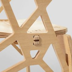The Frame chair represents a lightweight construction, based on the Integrated Truss Structures. Both sides of the chair possess a specific shape and stuck