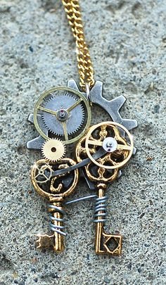 perfect way to incorporate craft keys in a design and still make the piece have a vintage steampunk feel...