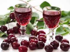 Cherry Liqueur - This is a pretty quick recipe, if you don't count the months of waiting. Good things come to those who wait, though, and a liqueur made with vodka and ripe bing cherries definitely falls under the good things category. Bing Cherries, Frozen Cherries, Tart Cherries, Triple Sec, Homemade Liqueur Recipes, Cherry Liqueur, Cherry Brandy, Sour Cherry, Malibu