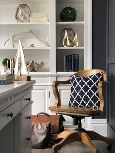 4 Simple and Creative Tricks: Coastal Sofa Floors coastal kitchen butcher block. Hamptons Style Decor, Hamptons House, The Hamptons, Coastal Style, Coastal Decor, Coastal Rugs, Coastal Lighting, Modern Coastal, Coastal Farmhouse