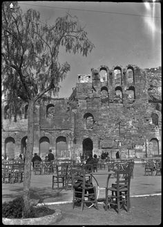 VINTAGE GREECE: A little cafe at the Herodeion Theatre, by the Acropolis, in (Photograph by Dorothy Burr Thompson) Vintage Pictures, Old Pictures, Old Photos, Acropolis Greece, Athens Greece, Greece History, Greece Pictures, Roman History, Ancient Greece