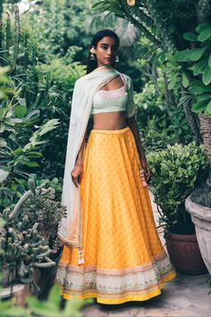Mallie LH 06 - Price on Request – Studio You are in the right place about Plus Size Outfits Here we offer you the most beautiful pictures about the Plus Size Outfits forever 21 you are looking f Indian Look, Indian Ethnic Wear, Indian Style, Indian Dresses, Indian Outfits, Indian Clothes, Yellow Lehenga, Indian Photoshoot, Indian Designer Outfits
