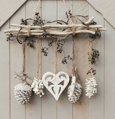 DIY & cottage seasonal decor & beautiful shabby chic Christmas decoration made with branches, pine cones and other natural materials & Love this idea! DIY & cottage seasonal decor & beautiful shabby chic Christmas decoration made w& Shabby Chic Christmas Decorations, Rustic Christmas, Christmas Wreaths, Christmas Crafts, Christmas Ornaments, Cottage Christmas, Apartment Christmas, Shabby Chic Xmas, Christmas Branches