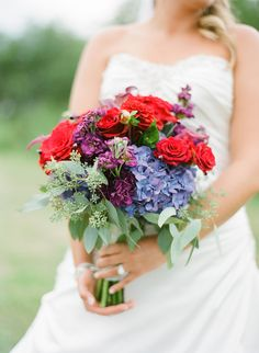 Beautiful contrast bouquet.