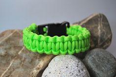Neon - grünes Paracordarmband von DaiSign  http://de.dawanda.com/product/69741031-Paracord---Armband-neongruen---gruen
