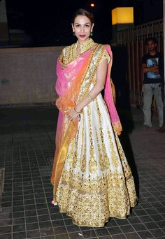 Malaika Arora Khan dazzled in a Preeti S Kapoor creation at Soha Ali Khan, Kunal Khemu's wedding reception.
