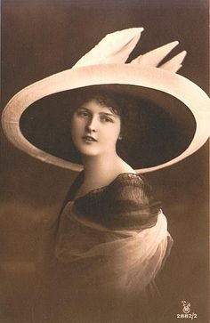 1910s Hat Lady