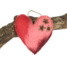 Red padded hand felted heart, lavender scented (1) £4.50