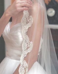 Bridal Veil Fingertip Lenght with Lace Edge by ArtVeilAtelier
