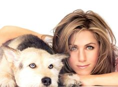 Celebrity Jennifer Aniston posing with her beloved dog, Norman. He passed away in they had been together years) so long, that they actually started to look alike. Jennifer Aniston Tattoo, Jennifer Aniston Hot, Jennifer Aniston Pictures, Jennifer Garner, Rachel Green, Justin Theroux, Brad Pitt, Jennifer Aniston Wallpaper, Animal Magazines
