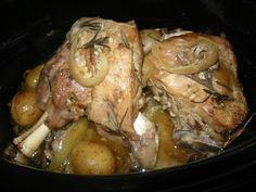 Cordero al romero con champiñones y patatas baby en Crock Pot Recetas Crock Pot, Pot Roast, Lamb, Slow Cooker, Pork, Meat, Ethnic Recipes, Carne, Salads