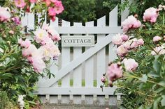 Affordable And Effective Cottage Garden Designing Methods For Your Home Your home is your world, and much like the world around us, looks are important. You may take your time to care for your house, but what about your yard? Cottage Rose, Country Cottage Garden, English Cottage Style, Cottage Garden Plants, Pink Garden, Cottage Gardens, Yellow Cottage, Cottage Ideas, Farm Gardens