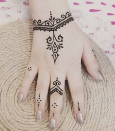 36 Beautiful Henna Tattoo Design Ideas - Henna tattoo is one of the antiquated practices of the general population from the Center East Asian nations that were passed on from age to age and d. Small Henna Designs, Henna Tattoo Designs Simple, Mehndi Designs For Fingers, Latest Mehndi Designs, Mehandi Designs, Easy Mehndi Designs, Henna Tattoo Hand, Small Henna Tattoos, Hand Tattoos