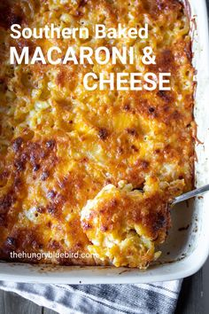 Creamy baked southern-style macaroni and cheese, a cheesy baked casserole and soul food classic. Classic southern-style baked macaroni and cheese with egg-milk custard and lots of cheese, soul food heaven! Southern Macaroni And Cheese, Best Macaroni And Cheese, Macaroni Cheese Recipes, Mac And Cheese Homemade, Southern Baked Mac And Cheese Recipe, Creamy Baked Macaroni And Cheese Recipe, Oven Mac And Cheese, Macaroni And Cheese Casserole, Hamburger Casserole