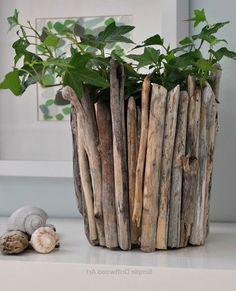 Driftwood Planters, Driftwood Wreath, Rustic Planters, Outdoor Planters, Driftwood Art, Basket Planters, Diy Planters, Driftwood Furniture, Driftwood Projects