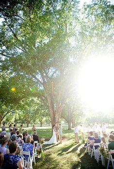 Brides: A Farmhouse Wedding in Fort Valley, Georgia| Rustic Weddings | Real Weddings | Photo credit: Jenny Evelyn