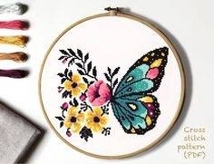 Modern Cross Stitch Patterns, Counted Cross Stitch Patterns, Cross Stitch Designs, Cross Stitch Embroidery, Hardanger Embroidery, Butterfly Cross Stitch, Cross Stitch Flowers, Easy Cross Stitch, Flower Patterns