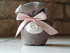 really cute this little handmade bag completed with ribbon and perfumed chalk, suitable for wedding, baptism or any other contest