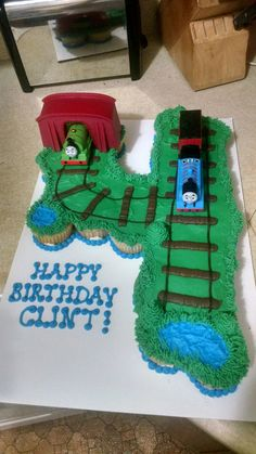 Thomas the Train, cupcake number pull-apart cake, toddler birthday