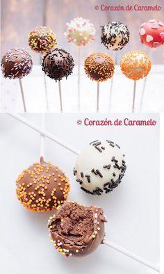 cake pos o bizcobolas, bolitas de bizcocho recubiertas de chocolate blanco, negro, con leche o con candy melts de colores.