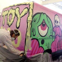 #tbt : painting @toykio 's van in Düsseldorf. #buffmonster #spraypaint #wip #toykio