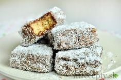 Ale kdee tieto s fit! Healthy Fruits, Healthy Desserts, Sweet Desserts, Sweet Recipes, Cookie Recipes, Dessert Recipes, Biscuits, Christmas Sweets, Healthy Meals For Kids