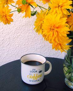 """12 aprecieri, 1 comentarii - Georgeana G. Aciobăniței (@aciobaniteigeorgeana) pe Instagram: """"oh look it's coffee o'clock!"""""""