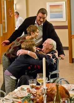 Family Support Frank (Tom Selleck), Nicky (Sami Gayle), Sean (Andrew Terraciano), and Jack (Tony Terraciano) hug Henry (Len Cariou), after he has heart surgery on BLUE BLOODS. Photo: John P. Filo/CBS CBS Broadcasting Inc. All Rights Reserved. Tom Selleck Blue Bloods, Blue Bloods Tv Show, Cbs Tv Shows, Jesse Stone, Blood Photos, Great Tv Shows, It Goes On, Hollywood Actor, Best Tv