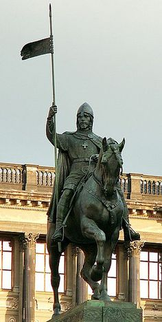 Wenceslaus I, Duke of Bohemia - Martyr and patron Saint of Bohemia, the Czech Republic and the city of Prague (Wenceslaus Square) Prague 1, Prague Czech Republic, St Wenceslaus, Equestrian Statue, Central And Eastern Europe, Europe Photos, Most Beautiful Cities, Belle Photo, Old Town