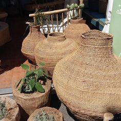 Salon  Vivre  Côté  Sud .Aix  en  Provence.  Les merveilleux  paniers de Couleur  Locale .On les voudrait  tous☺ #aixenprovence  #provence  #vivrecotesud  #salonvivrecotesud  #deco  #ethnic  #home  #ethnicchic  #couleurlocale #baskets  #homedecor