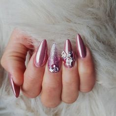 Stiletto Form Rose Gold For Sweet Looks Summer Nail Polish, Summer Nails, Mandala Nails, Mandala Design, Nail Colors, Style Icons, Fashion Art, Nail Designs, Rose Gold