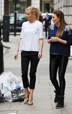 Celebrity Street Style    Picture    Description  #gwynethpaltrow in black and white = chic     https://looks.tn/celebrity/street-style/celebrity-street-style-gwynethpaltrow-in-black-and-white-chic/