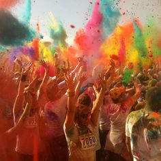 The Color Run :: a 5k race that is totally unique! :: this is the only time i've ever actually WANTED to go running! == http://modernkiddo.com/?p=6992#
