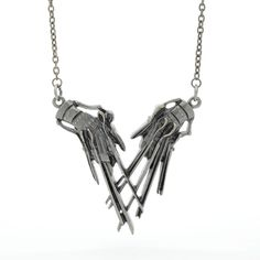 Edward Scissorhands Hands Pendant Necklace ($24) ❤ liked on Polyvore featuring jewelry, necklaces, star jewelry, chain pendants, pewter necklace, pendant jewelry and chains jewelry