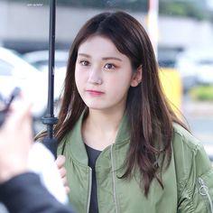 Jeon Somi, Yoona, Snsd, Famous Women, My Girl, Korean Girl, Ulzzang, Cute Girls, Actresses