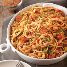 Pastalaya w/boneless skinless chicken breast, andouille or smoked sausage & the trinity This pastalaya from Kid Chef Eliana is packed with flavor. Creole Recipes, Cajun Recipes, Pasta Recipes, Dinner Recipes, Cooking Recipes, Dinner Ideas, Recipe Pasta, Cooking Videos, Cajun Dishes