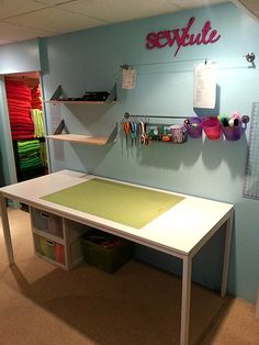 Reorganized Sewing Room... hmmmmm so many ideas:)