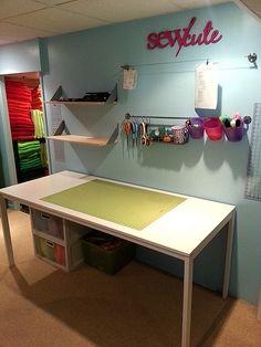 Reorganized Sewing Room... hmmmmm so many ideas:)