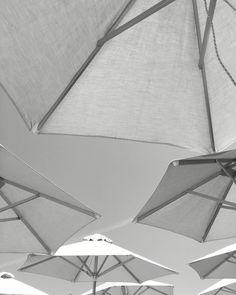 #minimal #umbrellas #summer #blackamdwhite