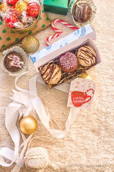 Holiday Gift Box Free Printable | Tickle Those Taste Buds Gift Box Design, Heart Diy, Chocolate Bomb, Holiday Gift Tags, Diy Box, Taste Buds, Homemade Gifts, Happy Holidays, Yummy Recipes